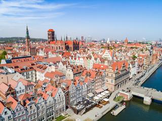 Gdańsk z lotu ptaka - stare miasto z rzeką Motławą.