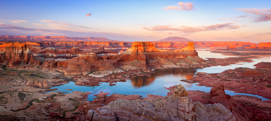 Awesome sunet panorama at Lake Powell, Utah, USA.
