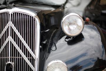 Fond de hotte en verre imprimé Vintage voitures Close-up of headlights classic vintage car. Exhibition