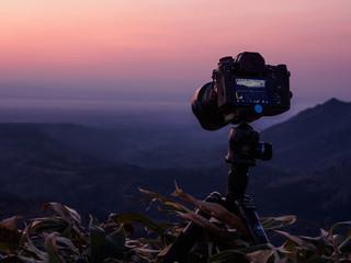 日の出 三脚 カメラ