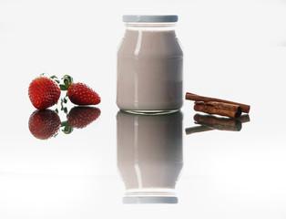 Jogurtbecher mit Obst