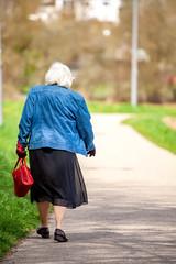 Alte Dame unterwegs