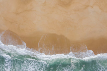 Autocollant pour porte Plage Atlantic ocean sandy beach with turquoise ocean and waves. Aerial view