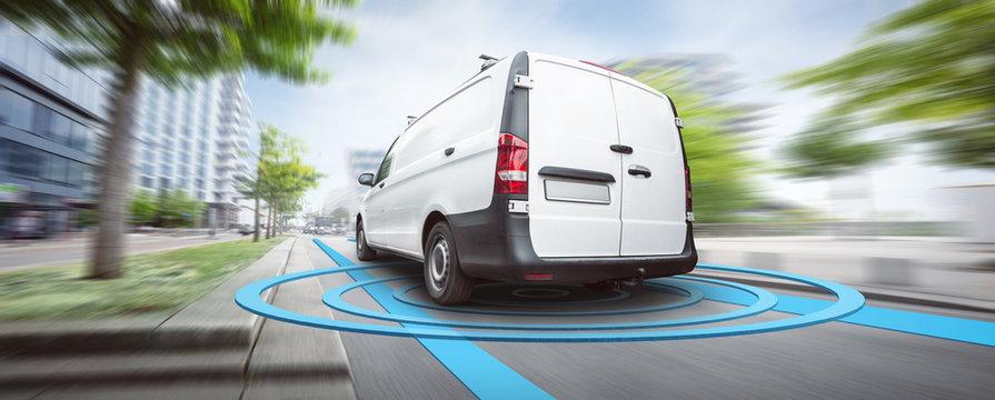 Visualisierte Sensoren um einen Transporter während der Fahrt