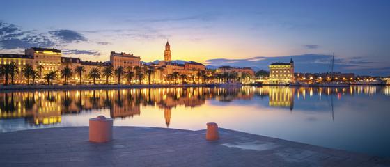 Fototapete - Panoramic View of Split during sunrise - beautiful Croatia