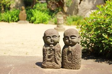日本のお寺の石像 お地蔵さん