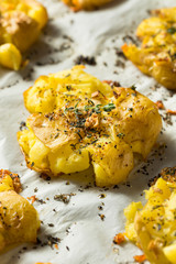 Homemade Smashed Potatoes with Garlic