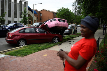 A car parking collision is seen in the Mount Vernon area of Washington