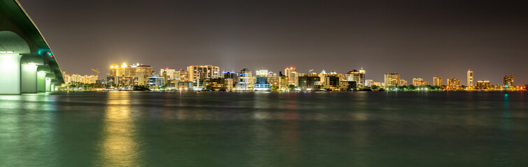 Fotomurales - Sarasota Florida Skyline at Night