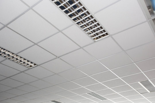 Suspended ceiling with LED square lamps sin the office