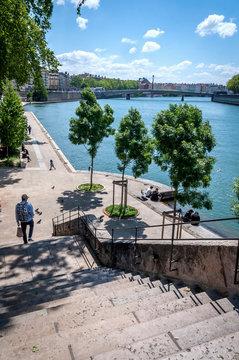 Vue générale des quais de Saône à Lyon