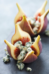 Fresh figs with blue cheese