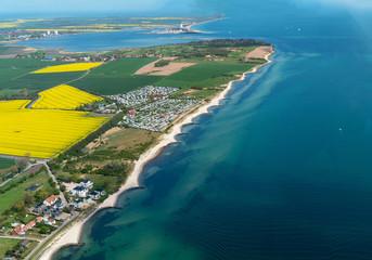 Luftbildaufnahme von der Ostseeinsel Fehmarn Fototapete