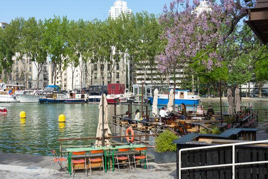 Paris - Kanal St. Martin: Cafe