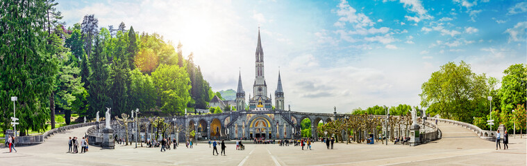 Basilika Notre Dame in Lourdes Wall mural