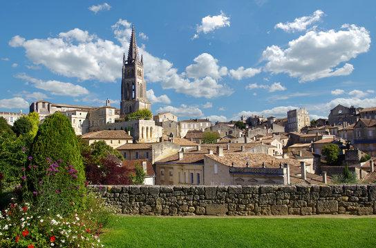 Large view on Saint Emilion village. Gironde, Aquitaine, france