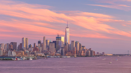 Fotomurales - New York City midtown Manhattan sunset skyline panorama view over Hudson River