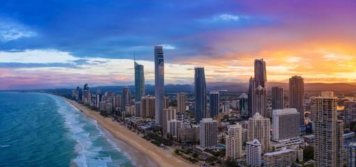 Tuinposter Kust Sunset over Surfers Paradise on the Gold Coast