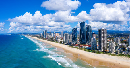 Zelfklevend Fotobehang Kust Sunny view of Broadbeach on the Gold Coast
