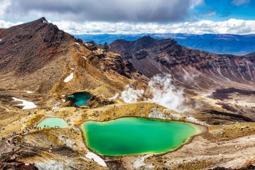Emerald lakes on Tongariro Alpine Crossing Track, Tongariro National Park, New Zealand Fototapete