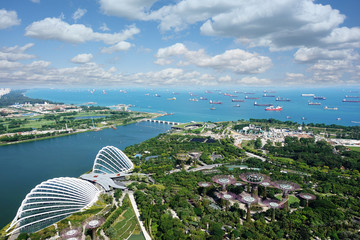 Famous attractions, gardens and harbour in Singapore,  view from skyscraper  Fototapete
