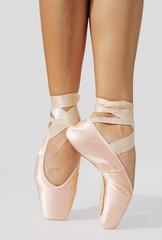 Balletttänerin in Spitzenstellung