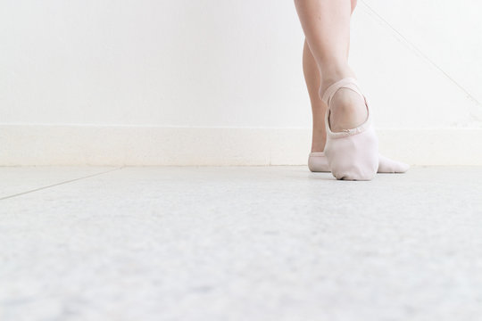 ballet point foot position on right frame on the street with point shoes