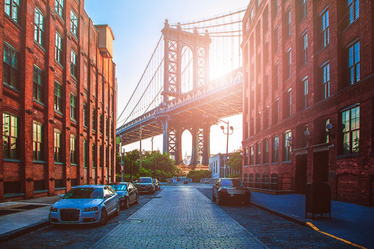 Manhattan Bridge between Manhattan and Brooklyn during sunset