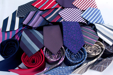 mix color of neck tie
