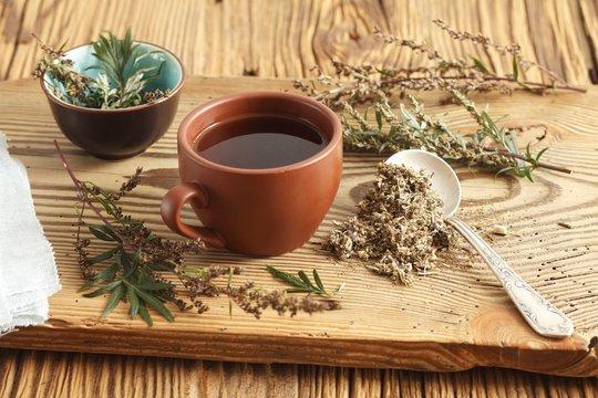 wormwood tea (Artemisia vulgaris)