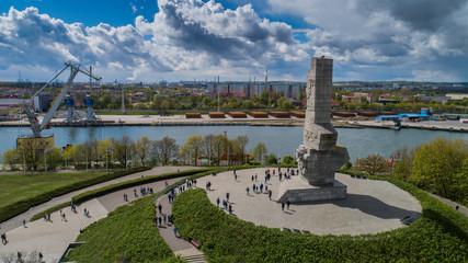 Obraz Pomnik Westerplatte ku pamięci polskich obrońców z lotu ptaka - fototapety do salonu