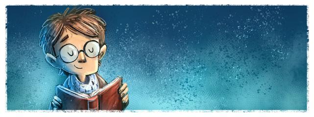chico con gafas leyendo un libro