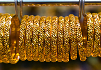 gold jewelry bracelet
