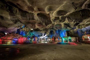Wall Murals Kuala Lumpur Das Innere des Hindutempel Ramayana, Batu Caves, Malaysia