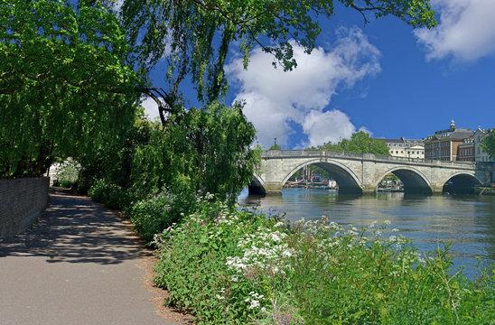 Thames Path at Richmond Bridge
