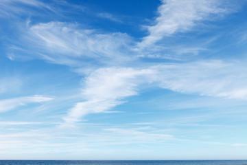 Foto op Plexiglas Hemel beautiful blue sky with white Cirrus clouds