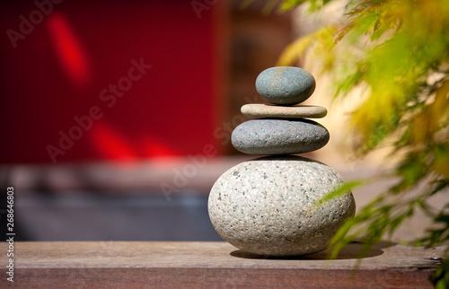 Empilement de galets pour ambiance zen et jardin Japonais\
