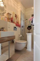 Badezimmer Gäste WC Toilette Waschbecken Luxus
