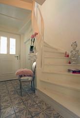 Treppe Flur Holz weiß vintage romantisch