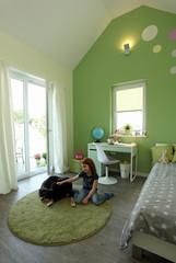 Kinderzimmer Kind Familie spielen zuhause