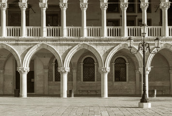 Fototapete - Architectural detail - Doge's palace in St Mark's Square in Venice (Palazzo Ducale), Italy