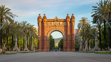 Tuinposter Barcelona The Arc de Triomf is a triumphal arch in the city of Barcelona in Catalonia, Spain