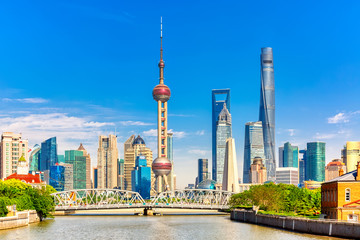 Poster Shanghai Shanghai pudong skyline with historical Waibaidu bridge, China during summer sunny day