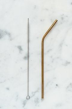 Golden metal straw and cleaning brush