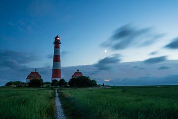 In de dag Landschap Leuchtturm Westerhever bei Nacht 2