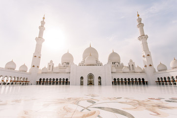 Aluminium Prints Abu Dhabi Famous Sheikh Zayed mosque in United Arab Emirates (Abu-Dhabi, UAE)