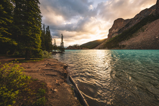 Sunrise at Moraine Lake, Banff National Park, Canada