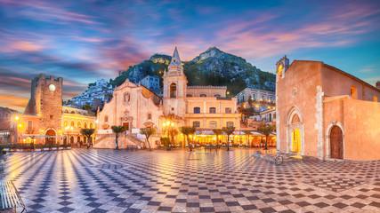 Belvedere of Taormina and San Giuseppe church on the square Piazza IX Aprile in Taormina Fototapete