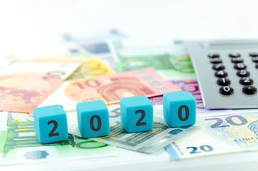 2020, Geld, Business, Steuer, Verbraucher, Gesetze, Bank, neu, Staat, Recht, Staatshaushalt, Ziele, Finanzen, Agenda, Haushalt, Bilanz, Jahresbilanz, Geschäftsjahr, Jahr, Taschenrechner, blau, Geldsch