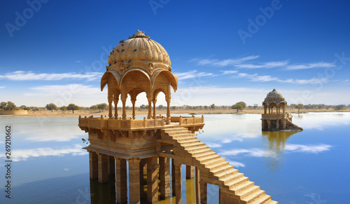 Fototapete Gadi Sagar temple gazebo on Gadisar lake Jaisalmer, Rajasthan, India